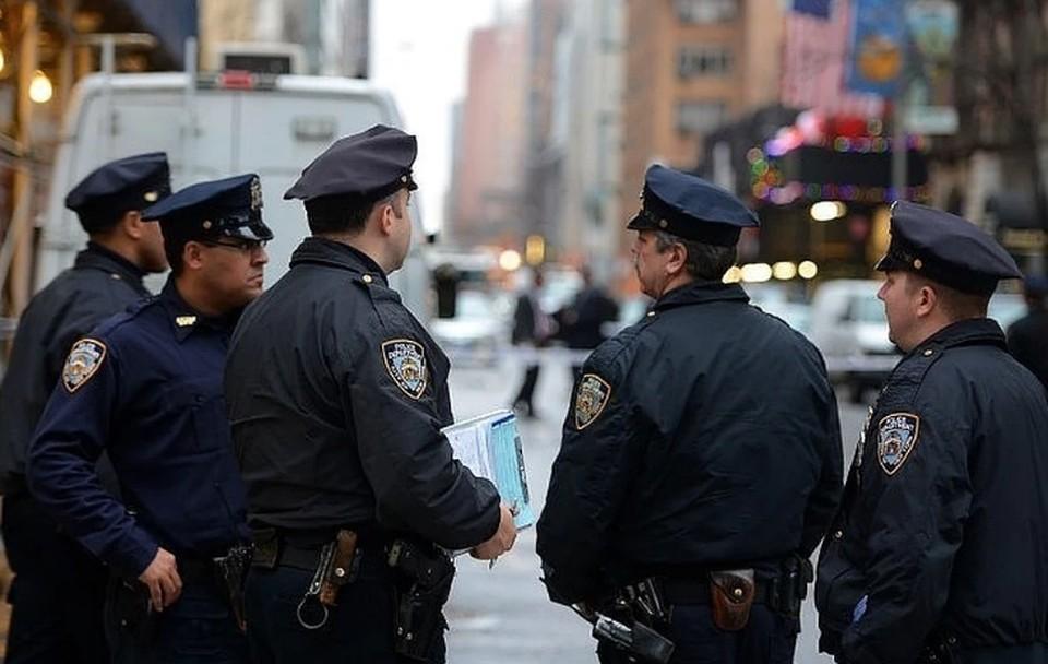 В полиции Лос-Анджелеса проводят расследование из-за валентинки с Флойдом