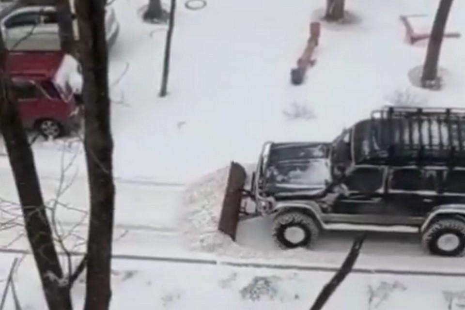 С такой машиной никакой снегопад не страшен. Фото: instagram/dpskontrol125rus.
