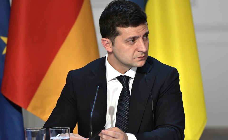 Оппозиция Украины собирает подписи за импичмент Зеленскому.