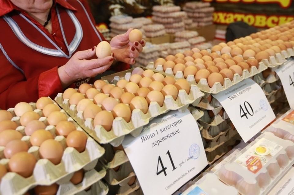 Ритейлеры предложили повысить цены на птицу и яйца в России