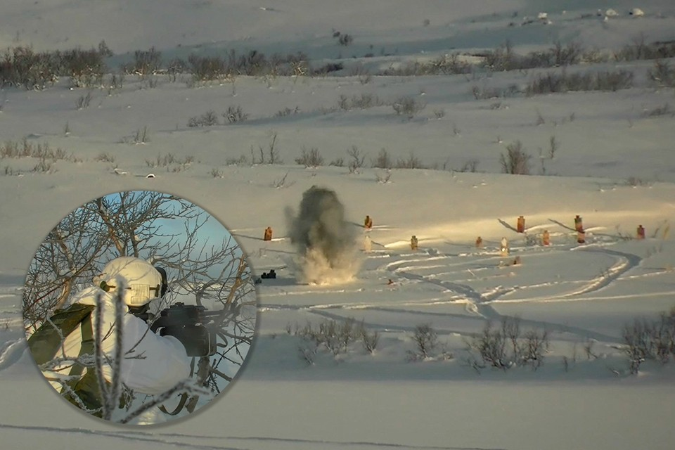 Морские пехотинцы выполнили огневой налет на снегоходах на базовый лагерь условных террористов. Фото: пресс-служба Северного флота