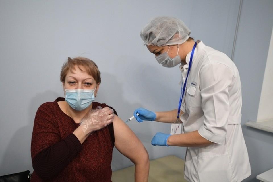 Во второй очереди вакцинации планируют прививать все категории граждан