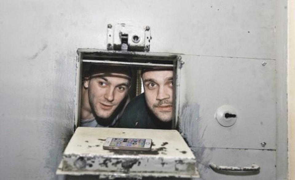 Госдума приняла закон, обязывающий операторов отключать сотовую связь в тюрьмах