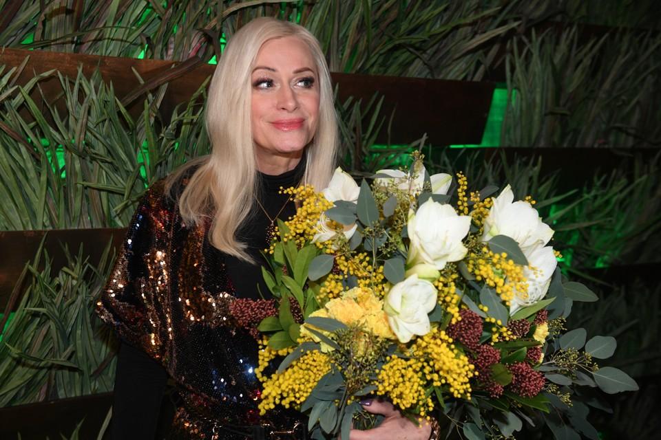 Звезда восьмидесятых появилась на юбилее Сергея Пенкина влюбленной и заметно похорошевшей.