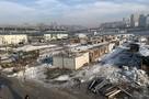 «Идите отсюда, никто вам ничего не даст»: во Владивостоке сносят китайский рынок, тратя зря  стройматериалы