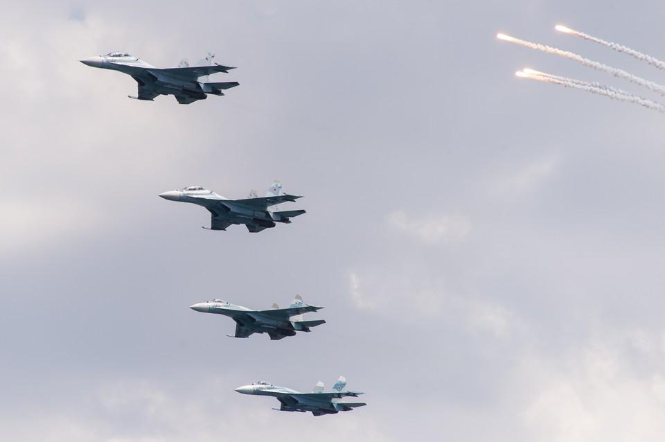 Российские Су-27 перехватили военные самолеты Франции над Черным морем