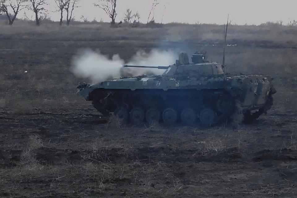 По Старомихайловске стреляли прямой наводкой из пушки БМП-2. Фото: Пресс-центр штаба ООС