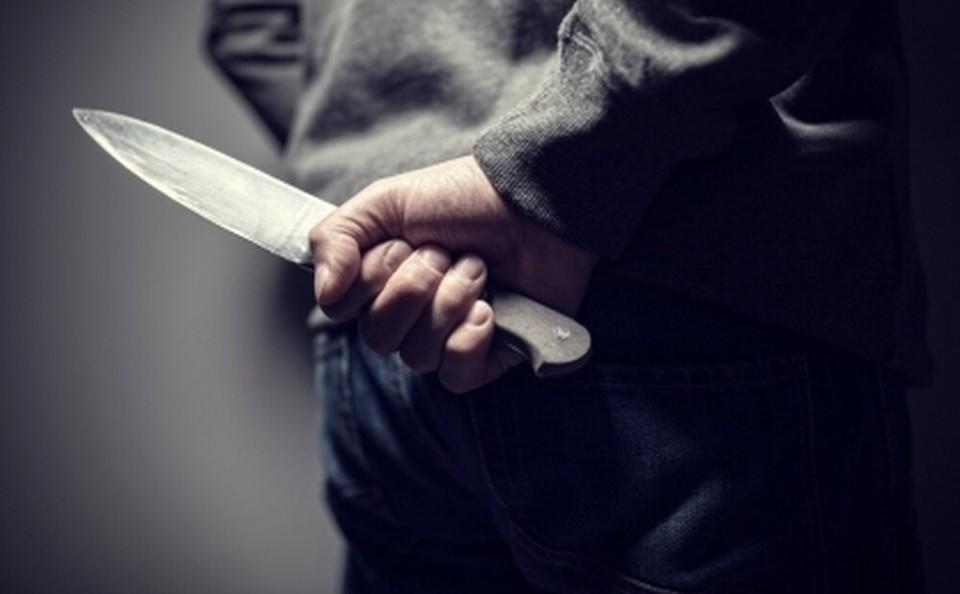 В одно из медучреждений Валуйского городского округа поступил 24-летний мужчина с ножевым ранением.