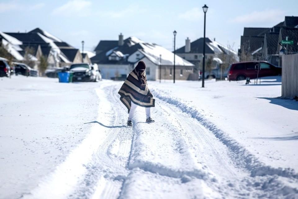 Снежная буря и морозы парализовали жизнь Техаса