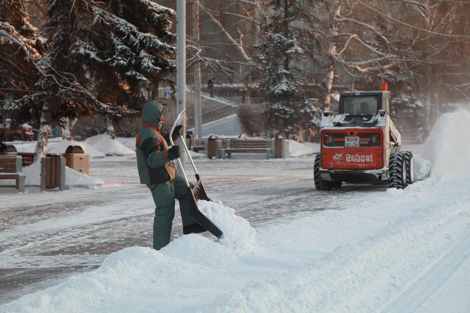 В мэрии Красноярска на языке цифр объяснили, почему не удается очистить город от снега