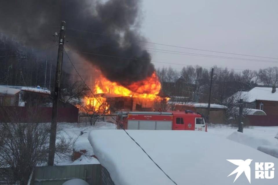 Четыре человека погибли при пожаре в частном доме под Ногинском