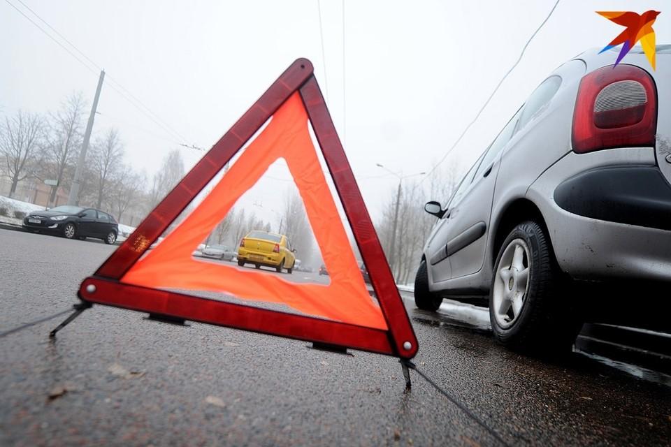 В Минске на пешеходном переходе машина сбила мужчину с четырехлетней девочкой