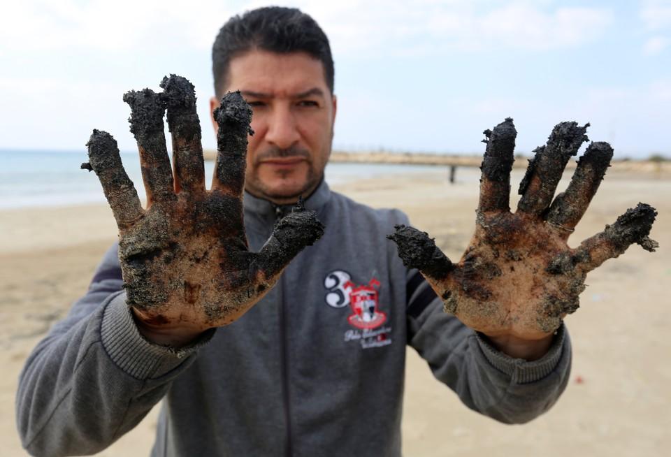 Пока в Израиле не выяснили, какое судно стало виновником экологического бедствия.