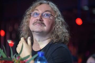 Без усов и с короткой стрижкой: Игорь Николаев поразил россиян внешним видом