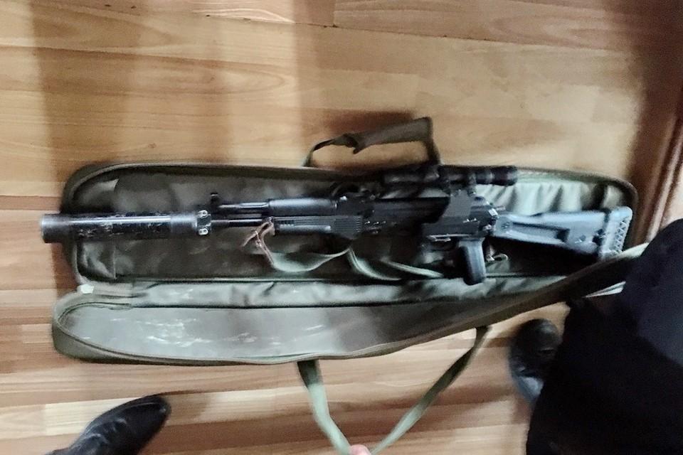 """Модифицированное ружье """"Сайга"""" с глушителем нашла полиция у жителя Приморья, подозреваемого в браконьерстве"""