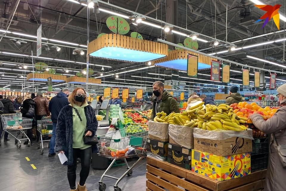 Правительство замораживает цены на 62 социально значимых товара и 50 медпрепаратов