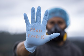 Вирусолог Альтштейн объяснил, почему пандемия коронавируса завершится к 2022 году
