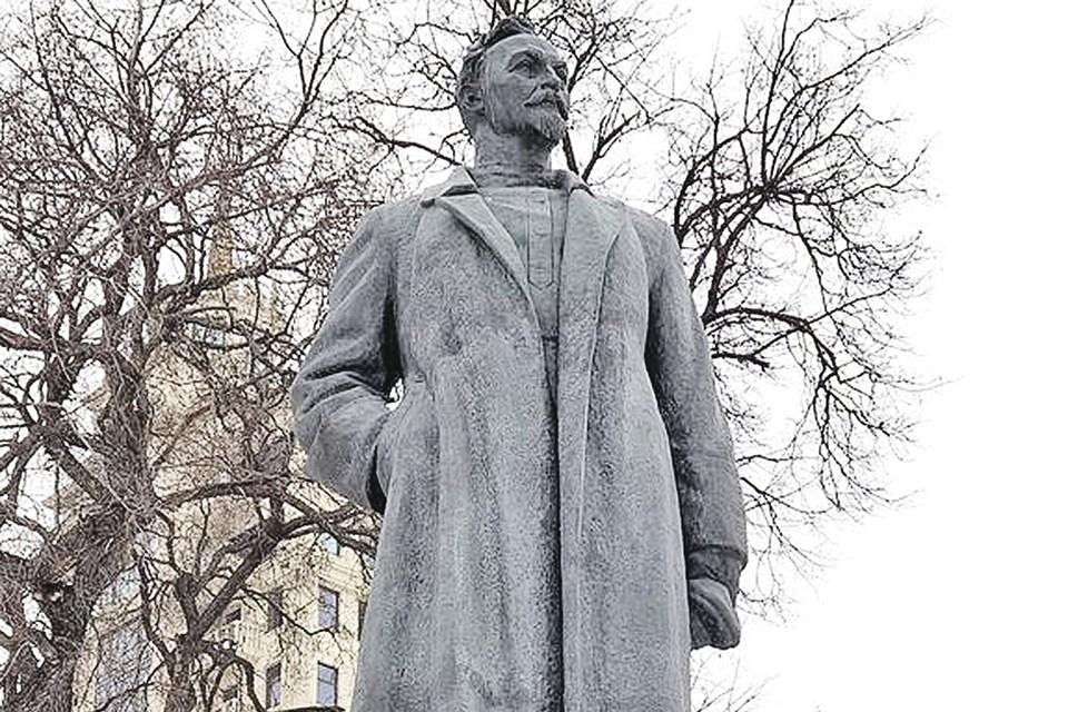 Ни Дзержинского, ни Невского на Лубянке не поставят