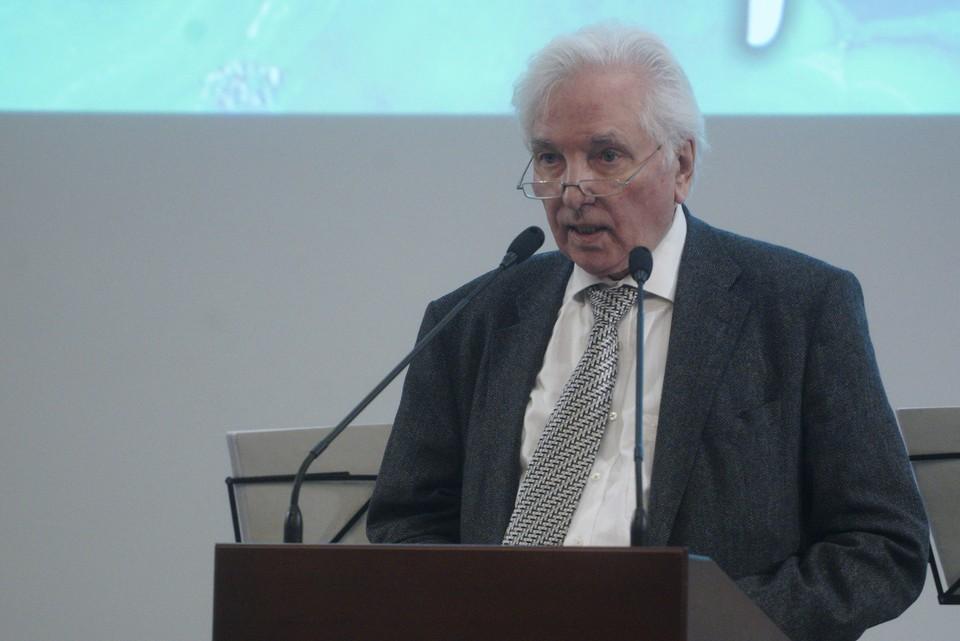 Академик является почетным профессором ряда университетов не только в России, но и в других странах.