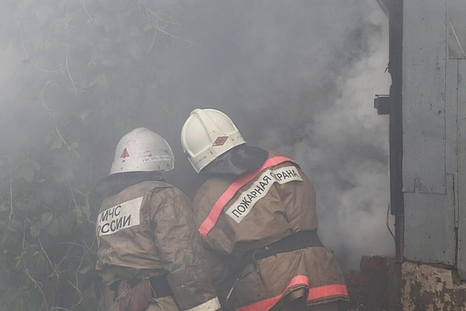 По предварительной информации, в пожаре никто не погиб и не пострадал