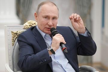Владимир Путин:Сидит в Интернете - крутой Рембо, а полиция зашла — в штаны наложил