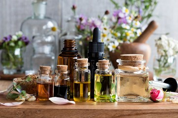 Кедр, лаванда и жасмин: чем занюхать стресс и какие ароматы помогут расслабиться