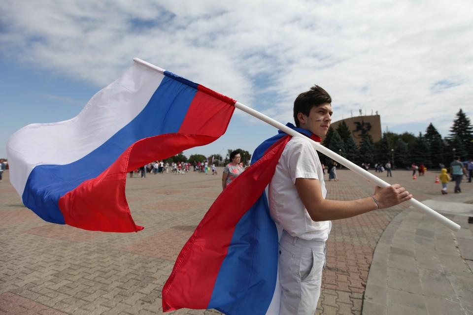 В опросе по телефону приняли участие 1,6 тысячи россиян в возрасте от 18 лет.