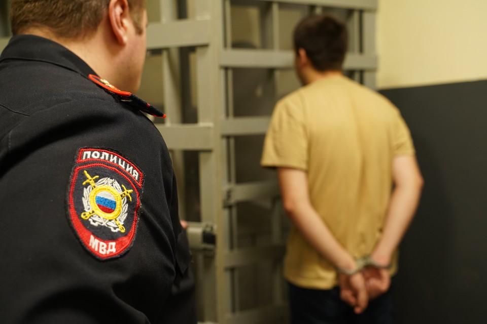 В Кузбассе консьержка стала жертвой нападения неизвестного