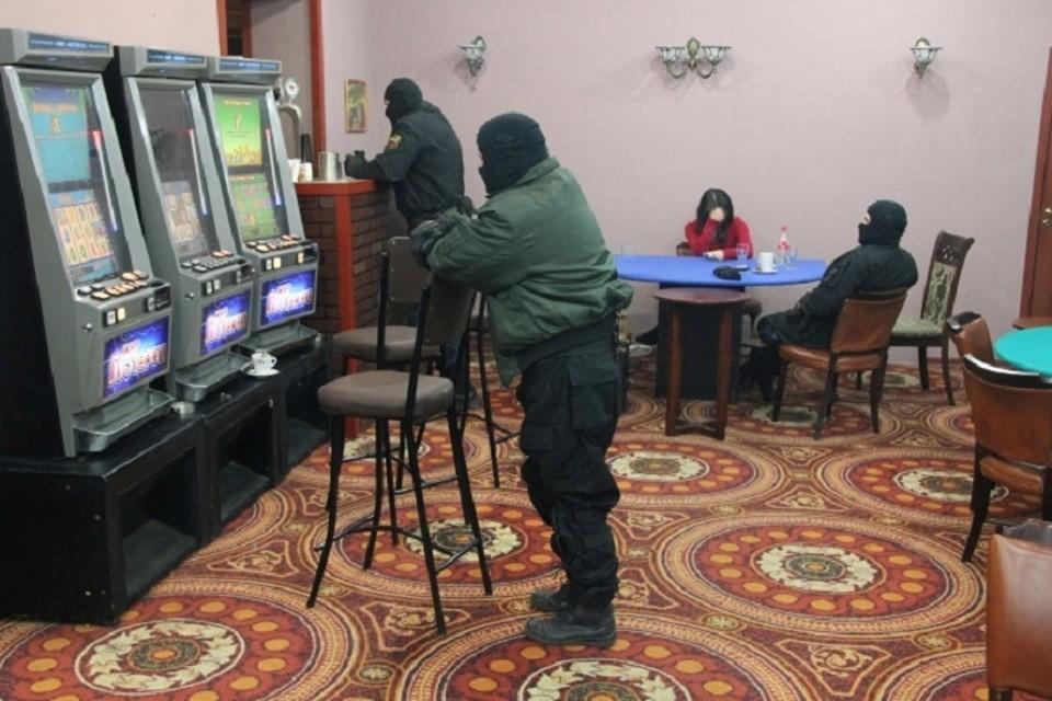 За организацию азартных игр осудили двоих хабаровчан