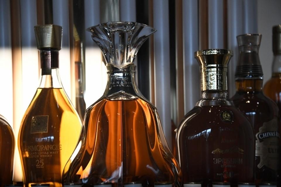 С начала года в регионе выведено из оборота 2 432 литра незаконной алкогольной продукции на сумму 1,2 миллиона рублей