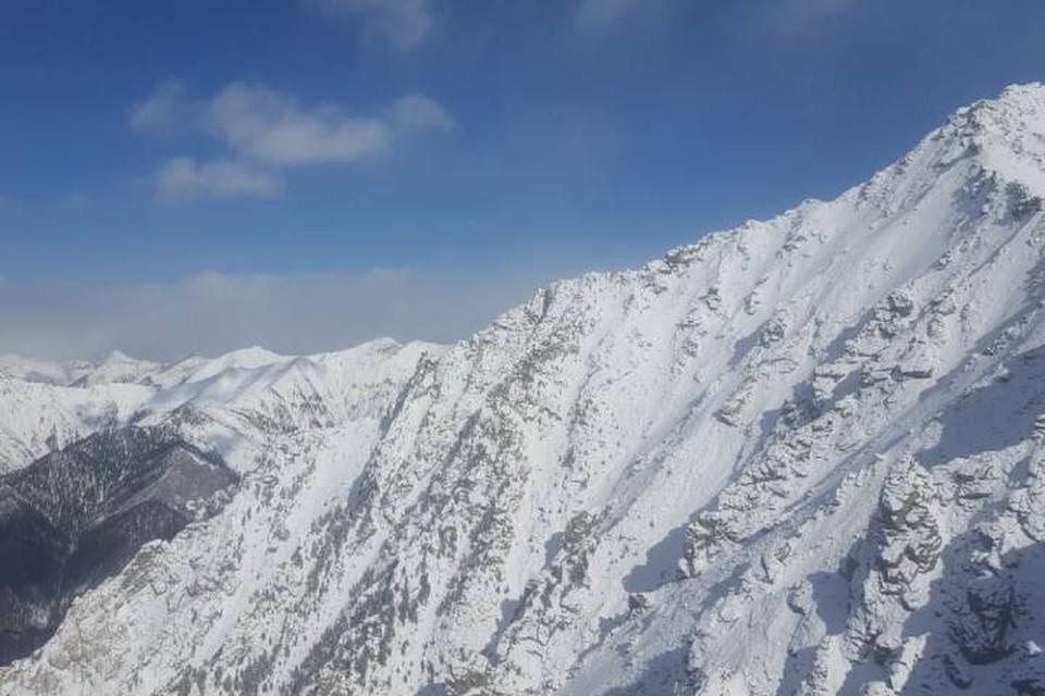 МЧС: в горах Восточного Саяна и Прибайкалья могут сойти снежные лавины. Фото: пожарно-спасательная служба Иркутской области.