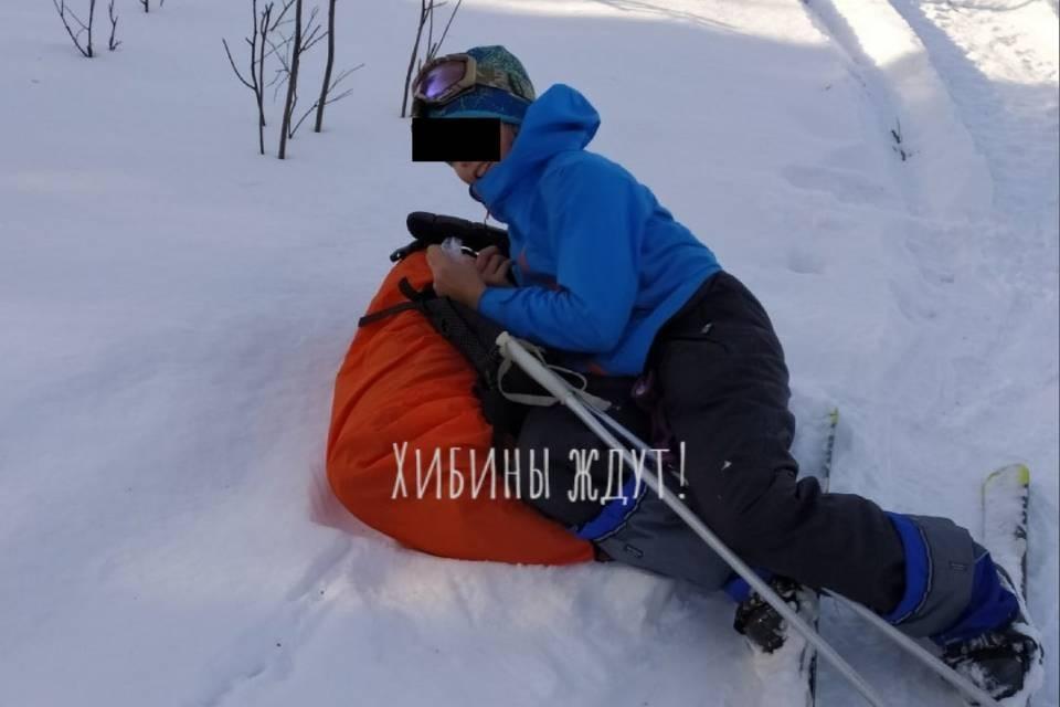 В Хибинах после схода снега погибла 12-летняя девочка.
