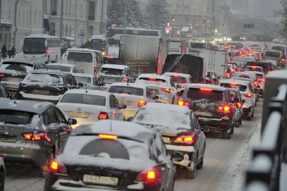 Пробки в Новосибирске достигли 7 баллов.