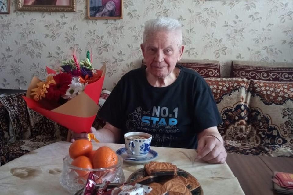 Юбилей Василий Васильевич отпраздновал третьего апреля. Фото: администрация Владивостока.