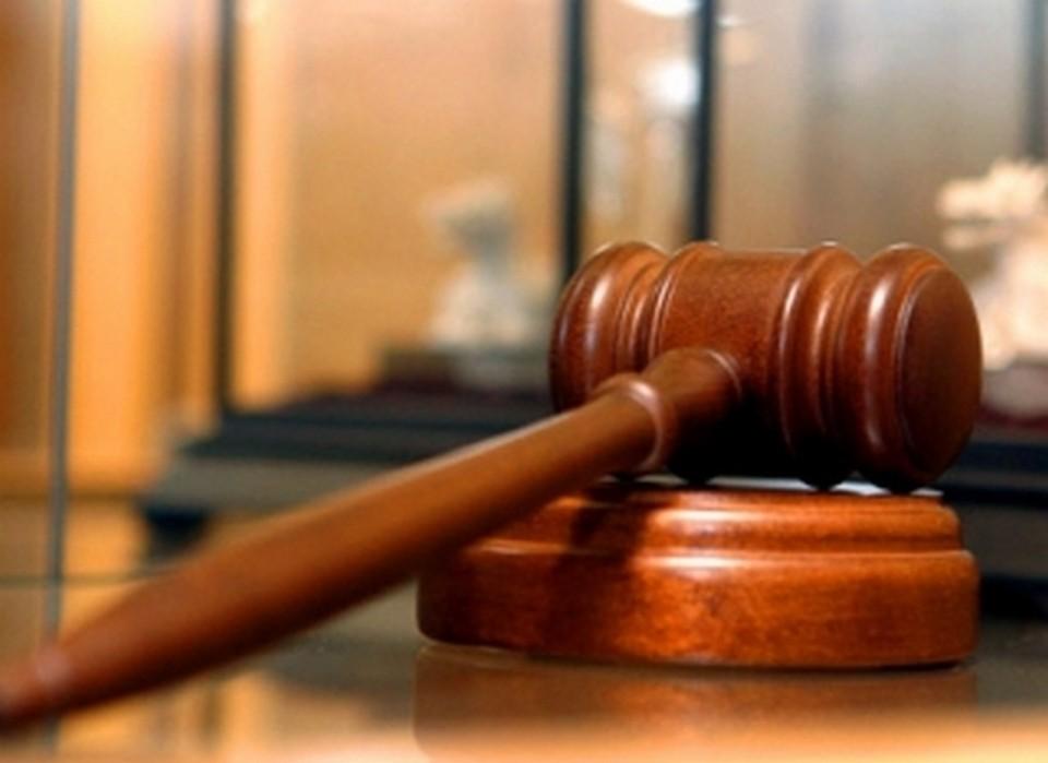 Уголовное дело по факту хищений и незаконного хранения наркотиков направили в суд
