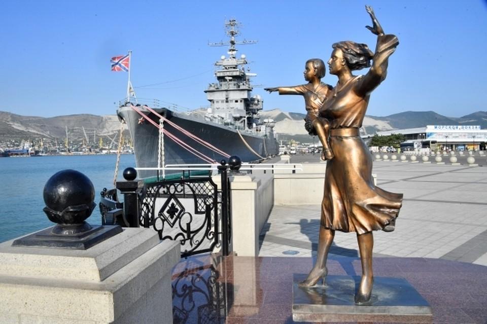 """Новый """"плавающий"""" фонтан может порадовать в этом году курортников и жителей Новороссийска"""