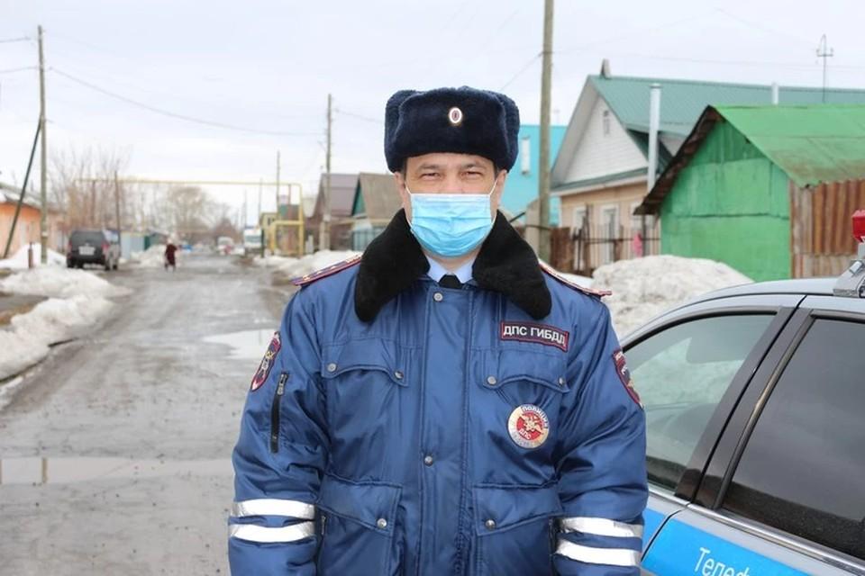 Сергей Стафеев за одно утро смог спасти жизни двух человек. Фото: УГИБДД по Свердловской области