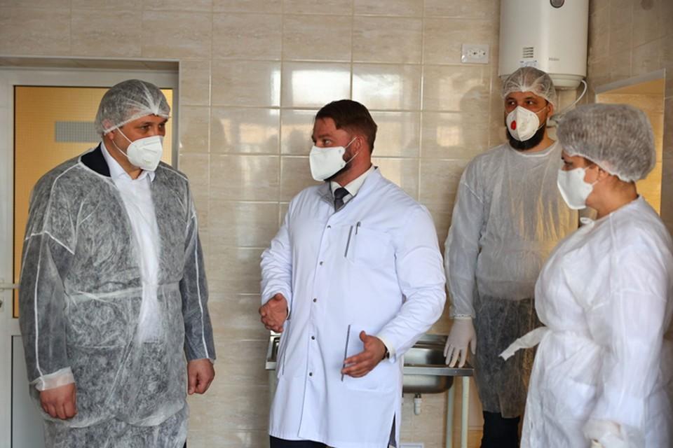 Иван Носков проверил ремонт приемного отделения Городской больницы №2. Фото: пресс-служба администрации города Дзержинска