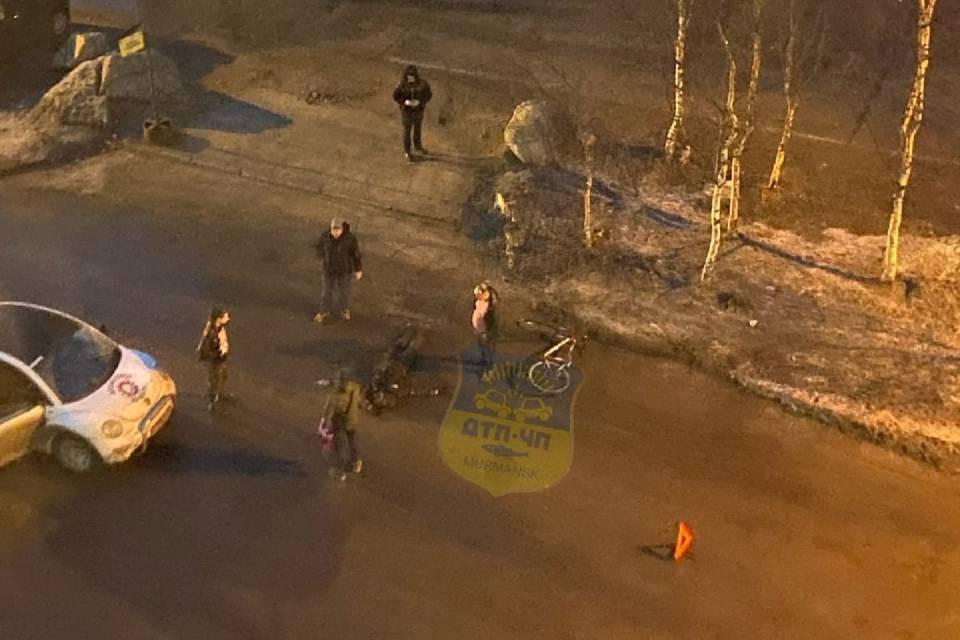 Велосипедиста сбили на улице Невского в Мурманске. Фото: vk.com/murmansk_dtp
