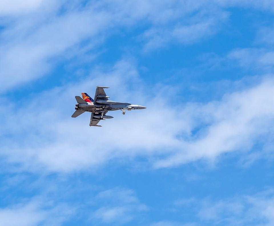 Военный самолет приземлился на трассу Актау-Жанаозен