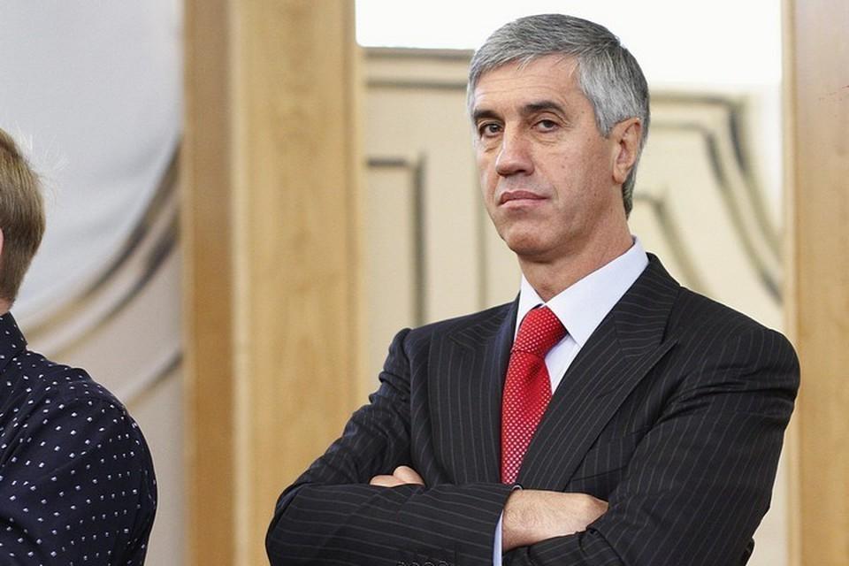 Обвиняемый по пяти уголовным делам Анатолий Быков собирается баллотироваться в Госдуму