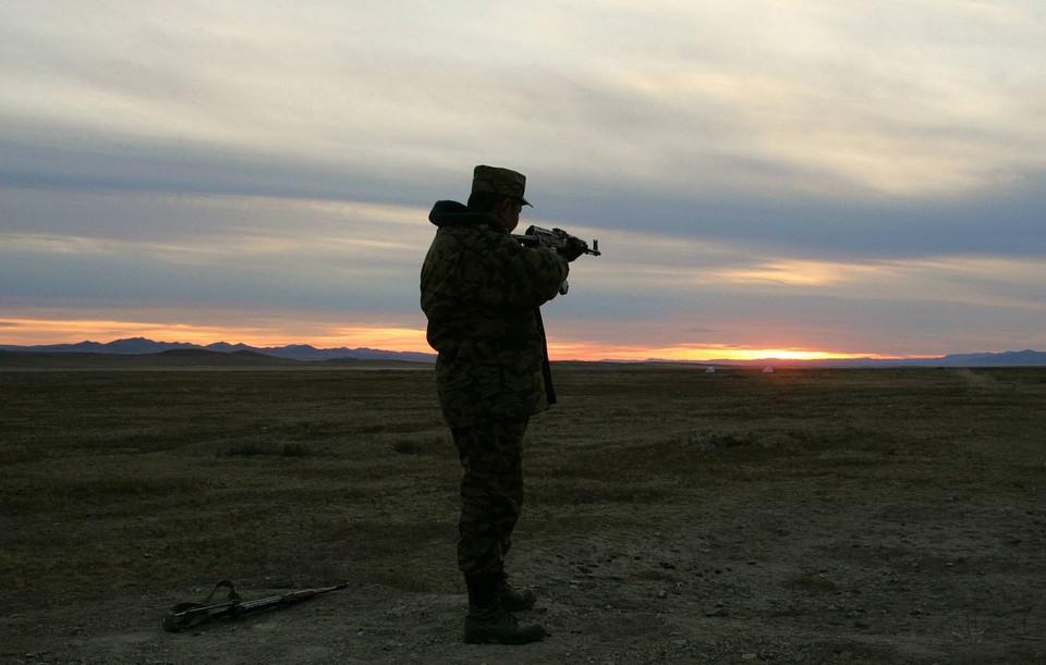В Монголии солдаты-срочники открыли стрельбу по сослуживцам