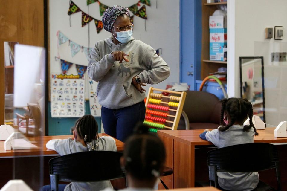 Los maestros estadounidenses crean listas de padres sospechosos de estar en desacuerdo con conceptos raciales controvertidos.