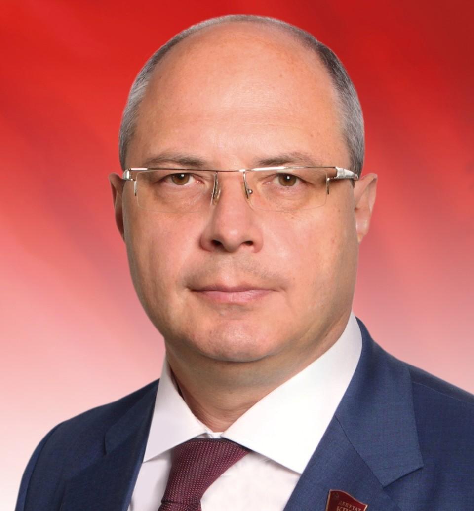 Депутат и его коллеги из БРО КПРФ пожелали землякам новых ярких свершений.