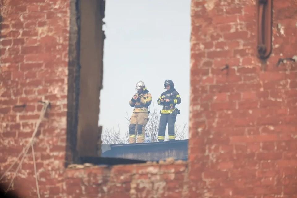 «Комсомолка» собрала последние новости о пожаре на Октябрьской набережной в Санкт-Петербурге к ночи 13 апреля 2021 года.
