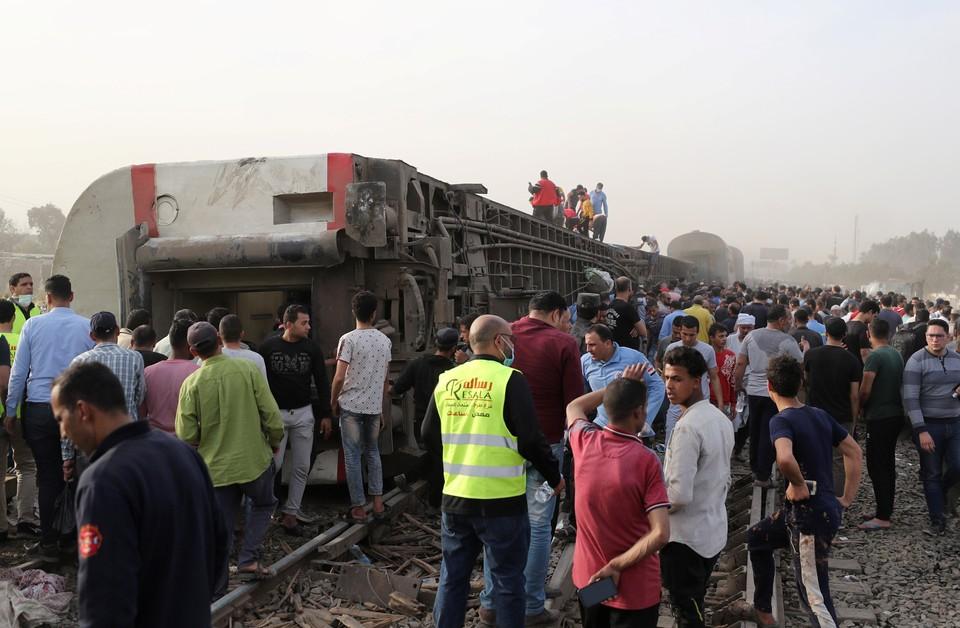 В Минздраве Египта уточнили количество погибших при сходе поезда с рельсов