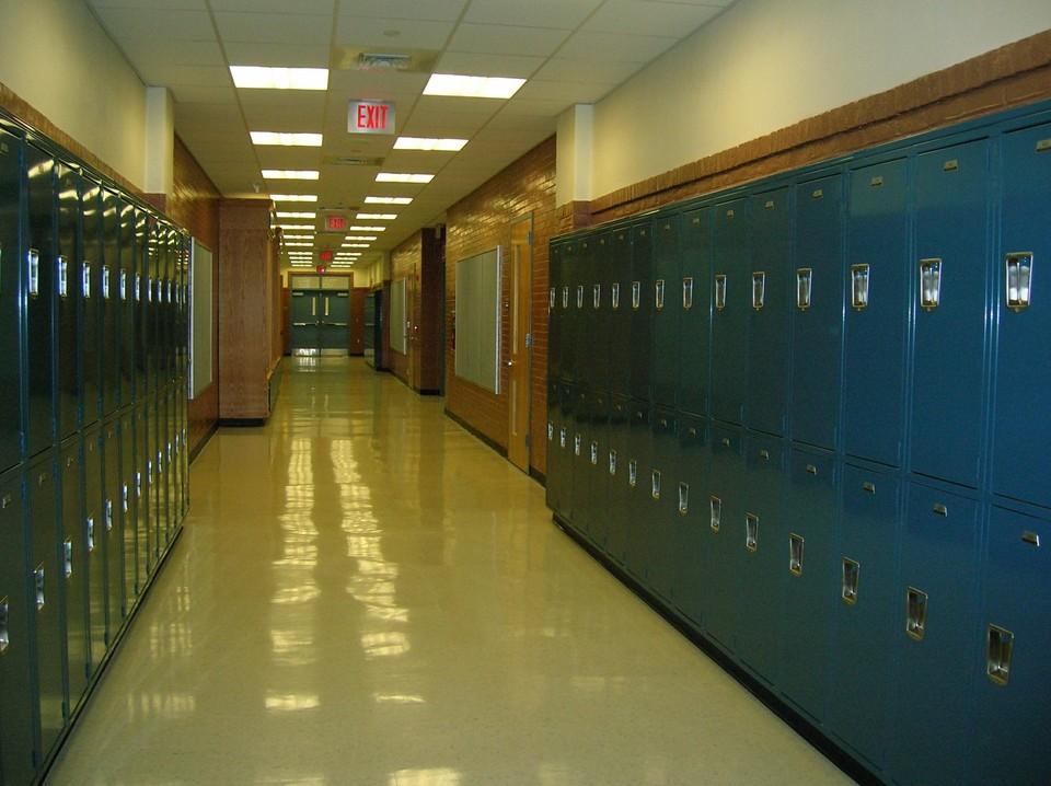 С начала четвертой четверти коронавирусом заболело 3706 школьников