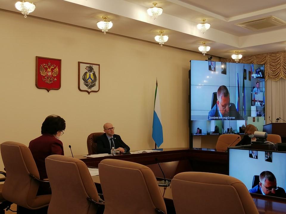 Евгений Никонов настоял на ускорении вакцинации