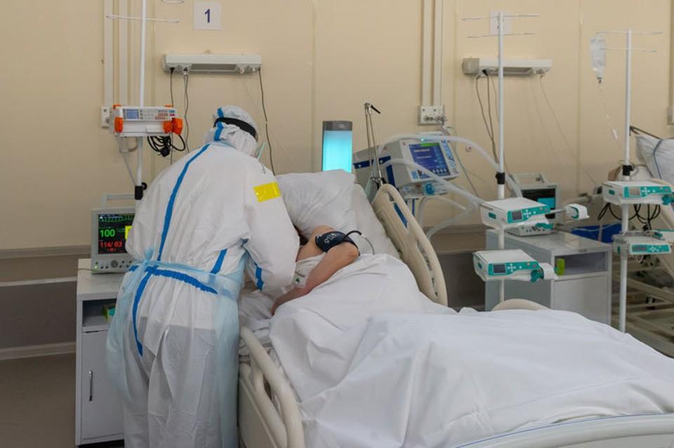 В Бишкеке разворачивают дополнительные койки для больных.