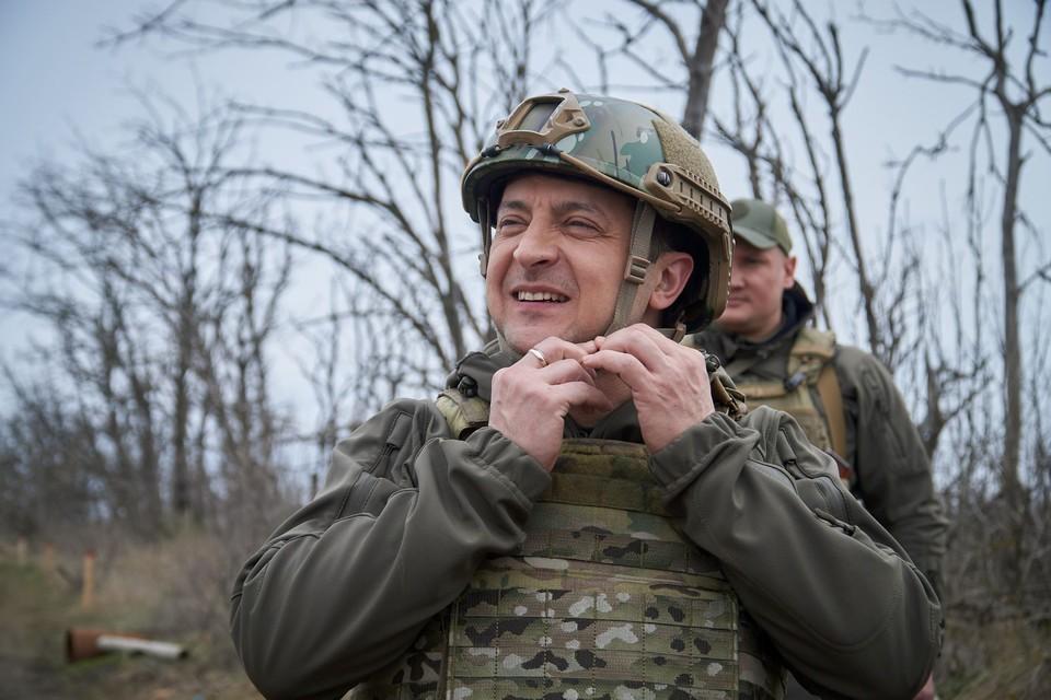"""Спецкор """"КП"""" Дмитрий Стешин, находящийся сейчас в командировке на Донбассе, посмотрел и прокомментировал выступление президента Украины с помощью «траншейной аналитики»"""